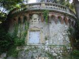 Terrasse mit Löwenkopf